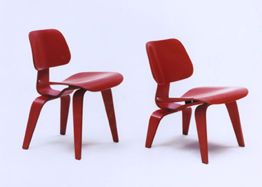 eames chairs lcw and dcw these molded plywood